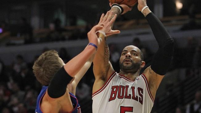 Boozer Leads Bulls Past Pistons