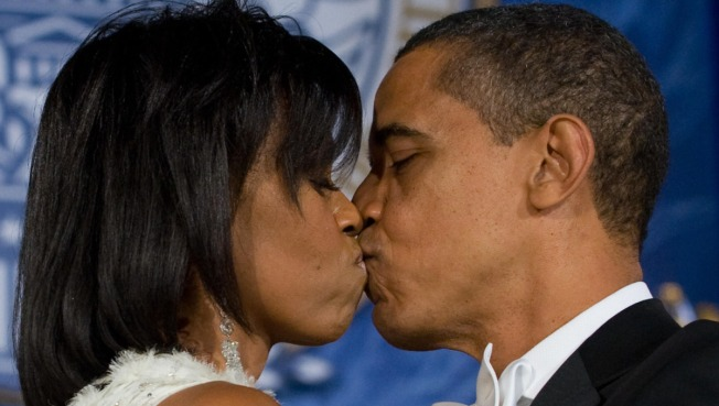 Obamas Enjoy Romantic Valentine's Day Dinner
