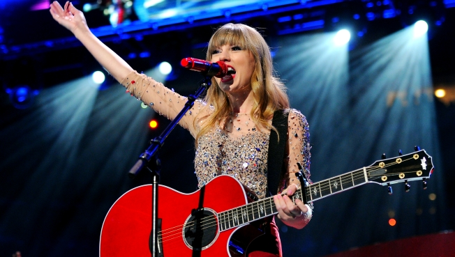 Taylor Swift Takes No. 1 Spot for Most Charitable Celebs in 2012