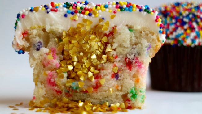 How You Can Win 100 Worth Of Sprinkles Cupcakes On National Cupcake