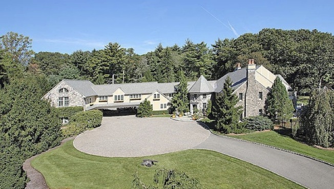 Rosie O'Donnell Buys in Saddle River, NJ