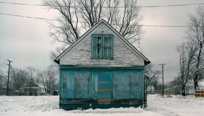 A Beautiful Look at 100 Abandoned Houses