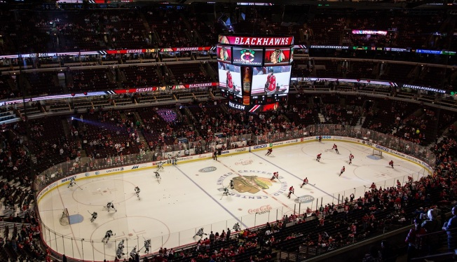 Moment of Silence Held for Brussels at United Center Before Blackhawks, Stars Game