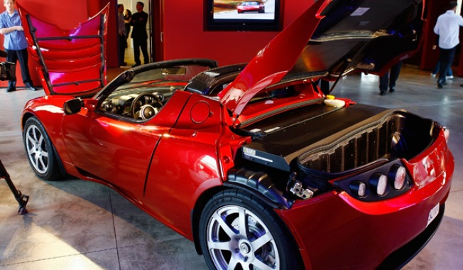 What Recession? Tesla's Headed to ChiTown