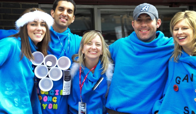 Snuggie Pub Crawl Draws Hundreds