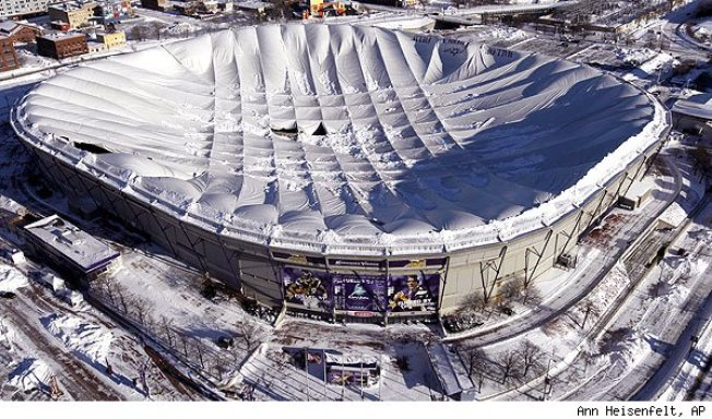 What the Metrodome Collapse Means for the Future of the Vikings