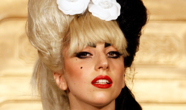 Gaga Picks Career Over Lovers