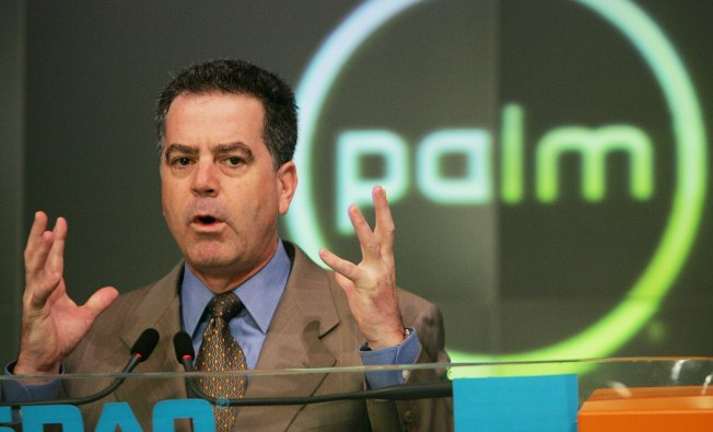 "Steve Jobs' Proposal ""Likely Illegal"": Palm CEO"