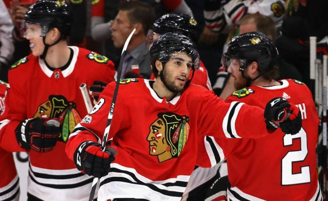Blackhawks Make History With Blowout Win Over Penguins