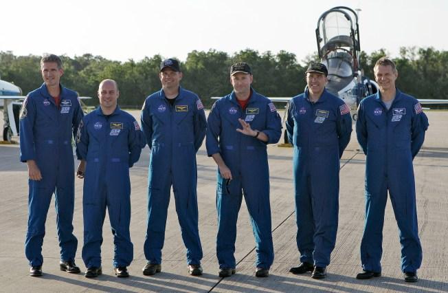 Astronauts Arrive for Atlantis' Last Liftoff