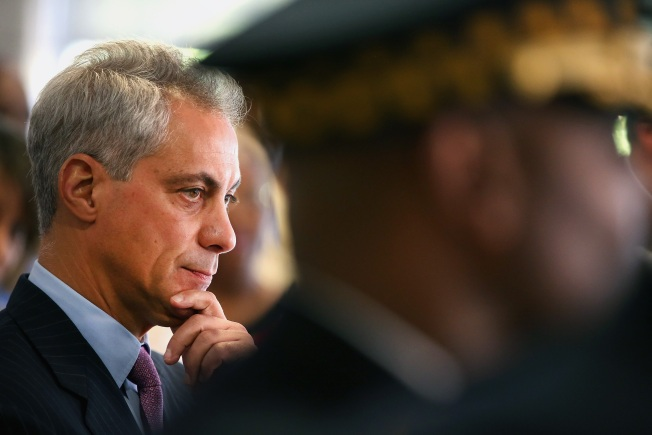 Emanuel Won't Detail What He Knew on Clinton Emails
