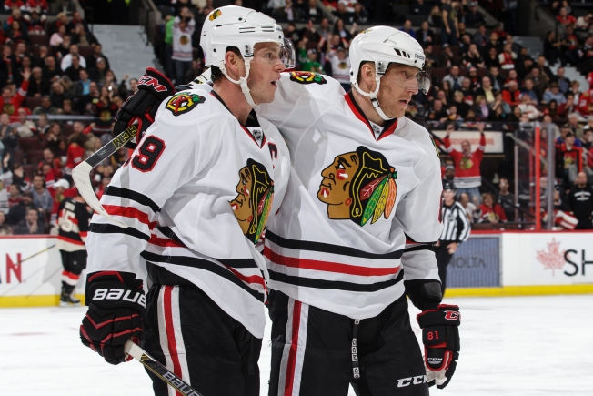 Blackhawks Look to Keep Rolling Against Canucks Sunday