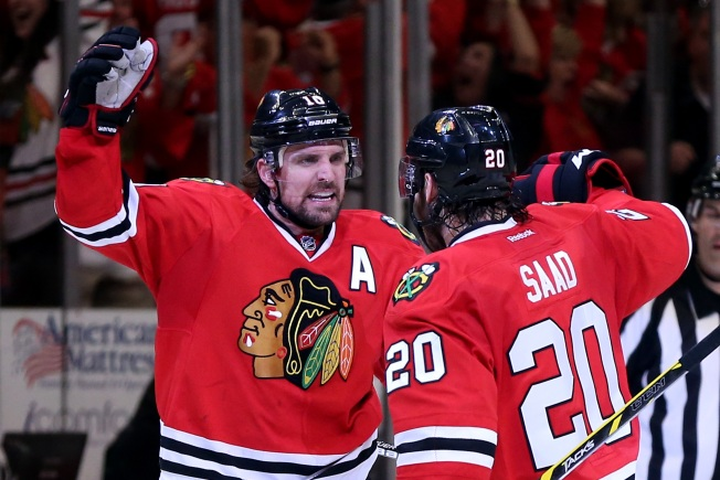 Three Stars: Sharp, Toews Come Up Big for Blackhawks
