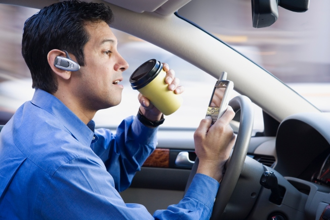 Let's Ban All Cell Phone Use in Cars