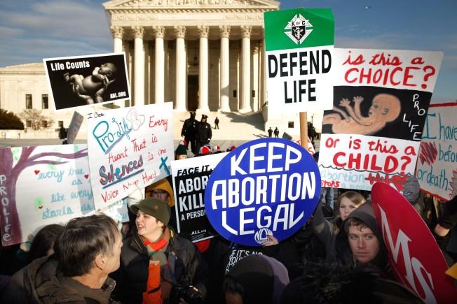 Marking Roe Anniversary, Abortion Foes Pin Hopes on Trump