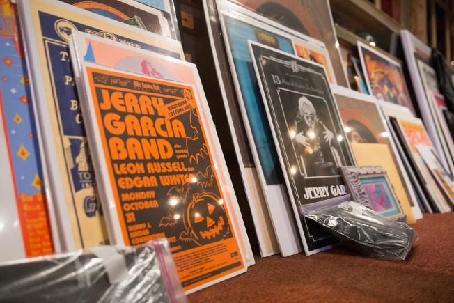 Artist Wins Chance to Design Grateful Dead Tickets