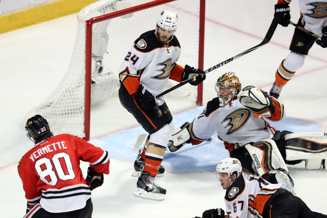 Blackhawks Look to Seize Series Lead vs. Ducks Monday