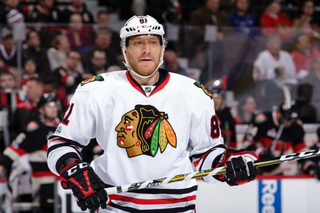 Blackhawks' Hossa to miss 2017-18 season due to skin disorder