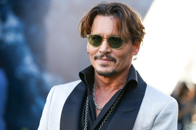 Johnny Depp Visits Children at Hospital Dressed as Pirate Jack Sparrow