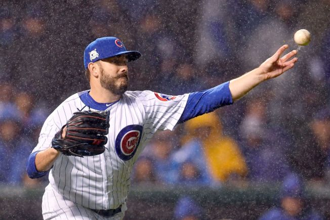 Chicago Cubs Place Brian Duensing on DL, Recall Randy Rosario
