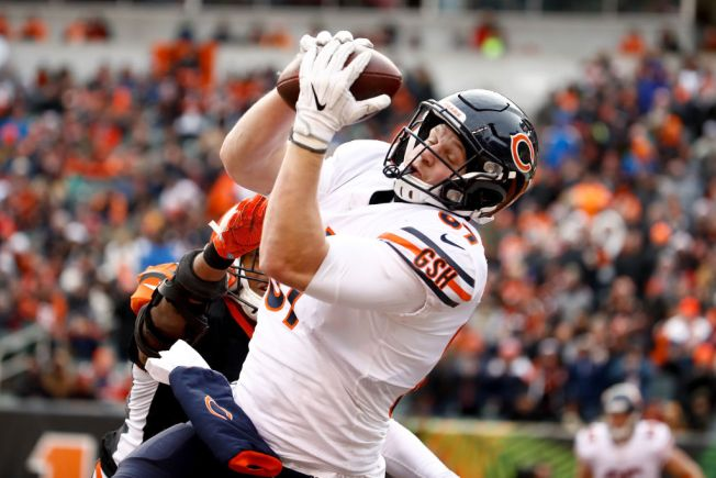 Chicago Bears TE Adam Shaheen Leaves Game With Injury