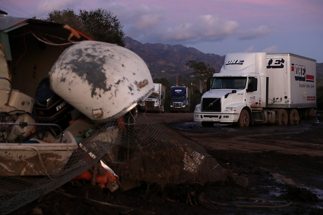 Crews ramp up effort to rescue live victims of California mudslide