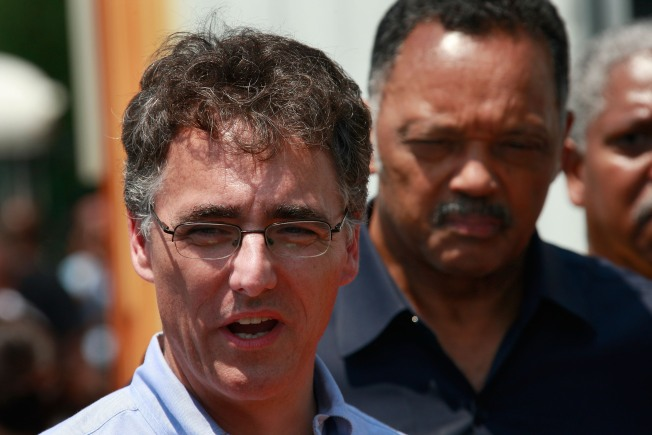 Popular Sheriff Darts to Early Lead in Mayor's Race