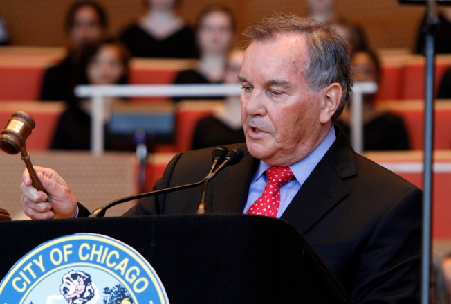 Former Mayor Richard Daley Endorses Emanuel for New Term as Mayor