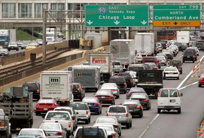 Chicagoans Drive Fewer Miles, but Roads Still Jammed