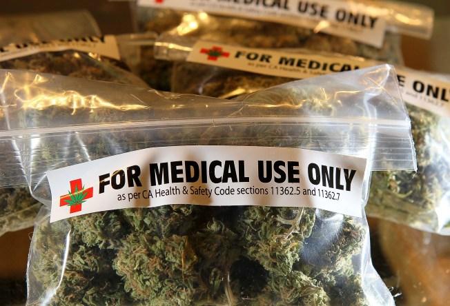 Illinois OKs 2,800 Marijuana Patients, Including 10 Children