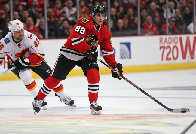 Kane Shows Flair for Dramatic Again in Blackhawks' Victory