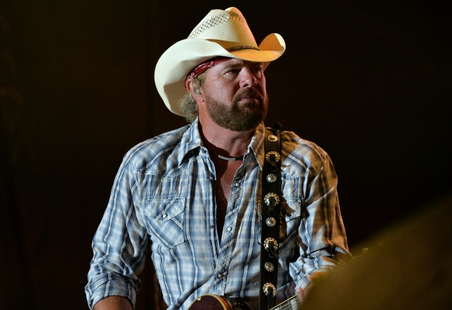 Toby Keith's in Rosemont Closes Early After Staff Steals From Restaurant: Report