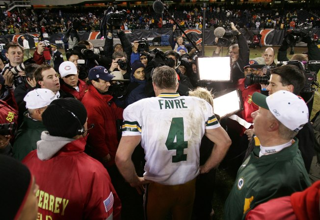 Report: Favre Wanted to Join Bears in 2008 Offseason