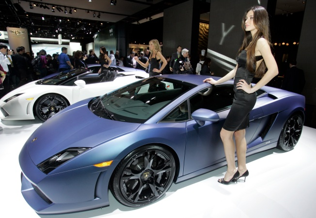 Automakers Polish Their Images at Detroit Show