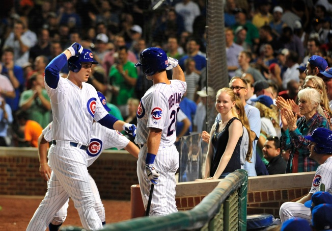 Rizzo Jacks Two Homers in Cubs Win