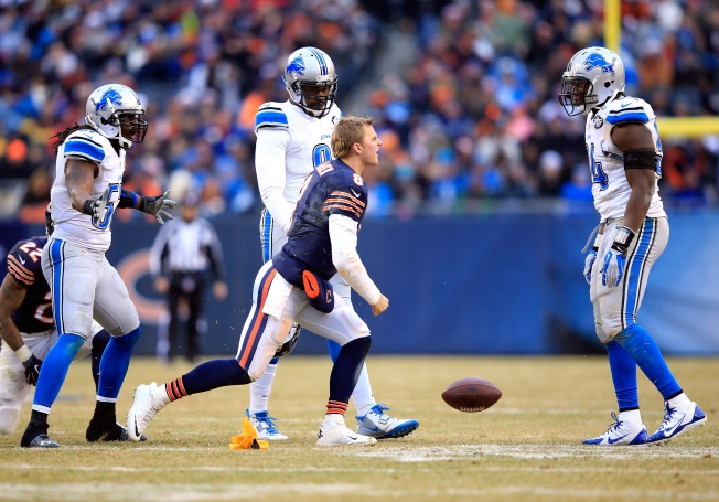 Clausen Suffers Concussion vs. Lions, Cutler to Start Sunday