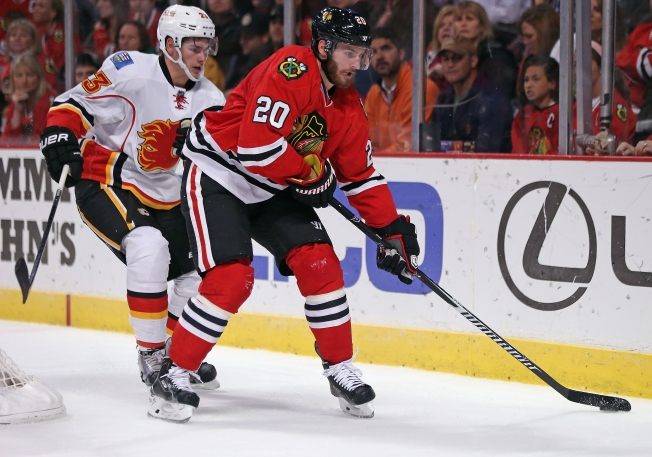 Surging Saad Keeps Blackhawks Afloat in Tough Stretch