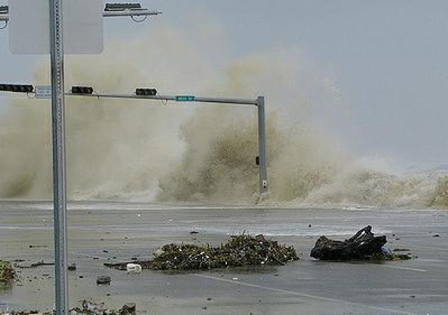 Very Large Hurricane Ike Surges Onto Galveston Island