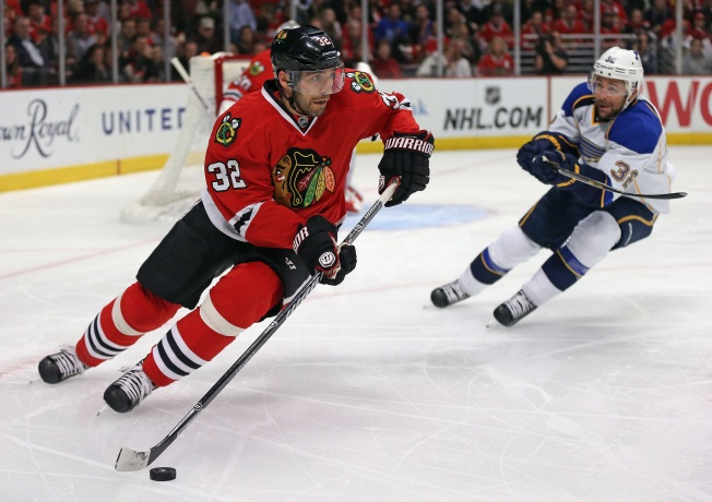 Blackhawks' Defensive Struggles Continue vs. Canucks