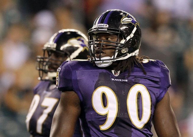 Reports: Bears Agree to Sign Pernell McPhee to 5-Year Deal
