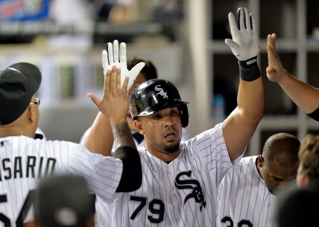 Abreu Leads Sox Over Indians
