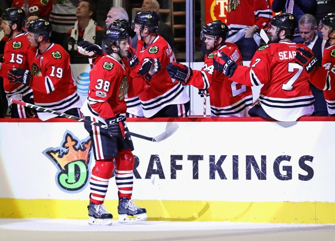 Hartman Leads Blackhawks to 5-2 Win Against Predators