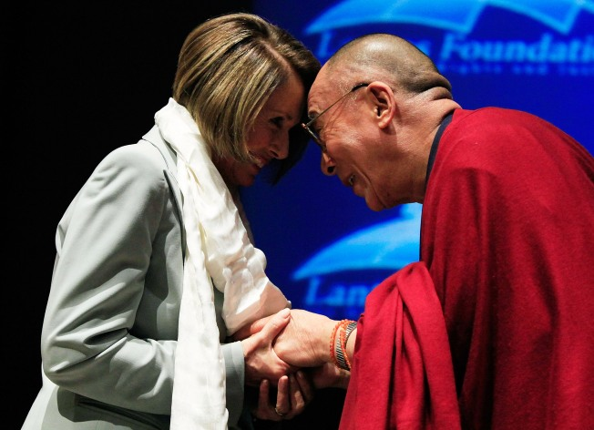China Scolds U.S. After Dalai Lama Award