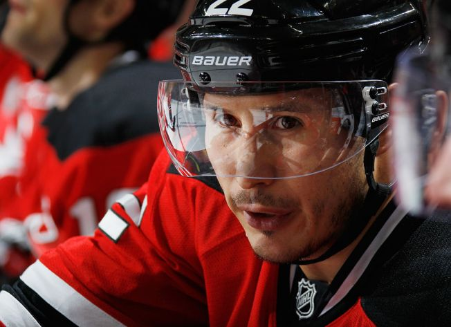 Blackhawks Sign Jordin Tootoo to 1-Year Deal