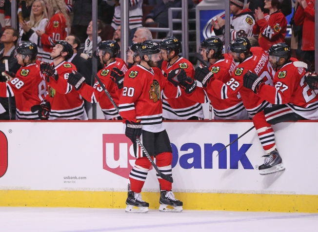 Saad's Late Goal Lifts Blackhawks Past Canadiens