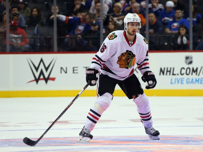Blackhawks' Marcus Kruger Out for Four Months After Wrist Surgery