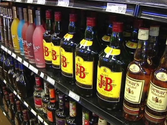 Daley Proposes Liquor Carts at Airports