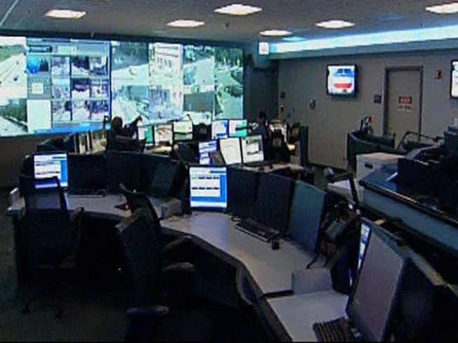 911 Workers Suspended for Error