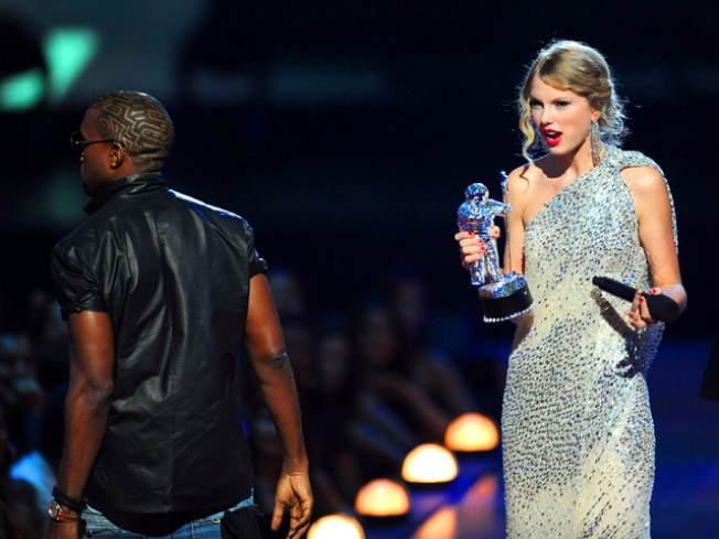 Taylor Swift Thanks Fans, Celebs For Their Post-VMA Support