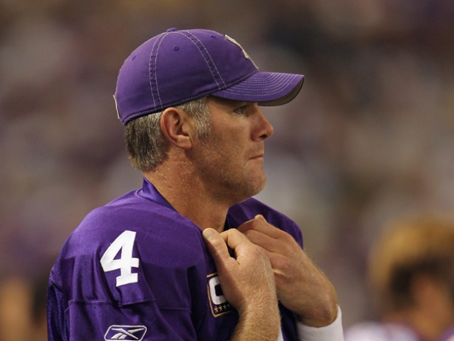 Putting Odds On Brett Favre Quitting On The Vikings